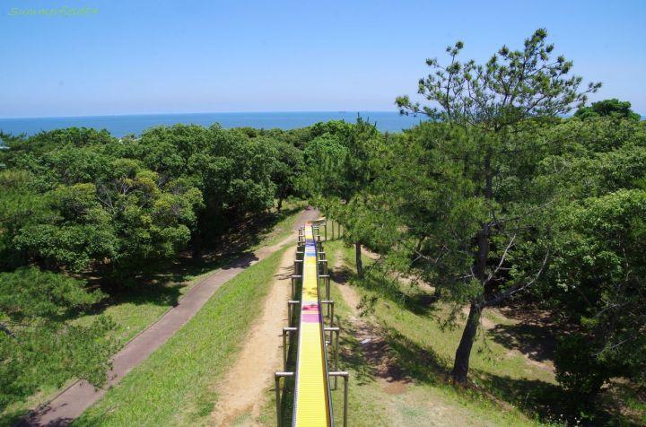 A long slide in northwest of Pacific Ocean
